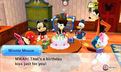 Minnie Mouse: MWAH! That's a birthday kiss just for you!