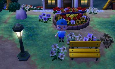 My new street lamp PWP, next to my yellow bench.